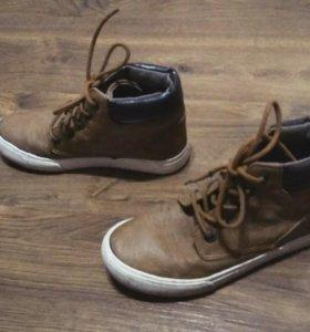 Ботинки демисезонные для мальчика на шнуровке 👞👦