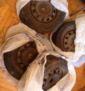Штампованные диски 14 радиус стояли на форд фокус