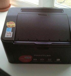 Продаю принтер лазерный