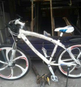 Велосипеды BMW X1 на литых дисках