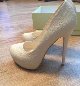 Туфли свадебные , праздничные