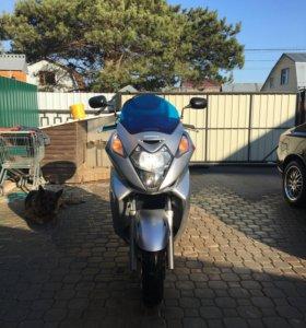 Макси скутер Honda silver ving 600