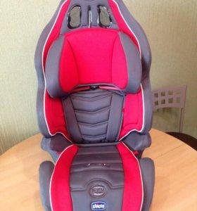Автомобильное кресло Chicco от 15-36 кг