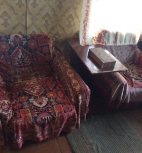 Кресла и стол журнальный