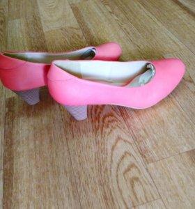 Новые Туфли женские 38 размер