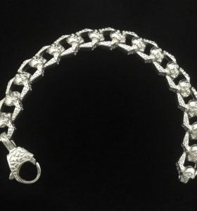 Серебряный браслет с черепами 80.3 гр. 23 см.