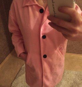 Пальто тонкое новое