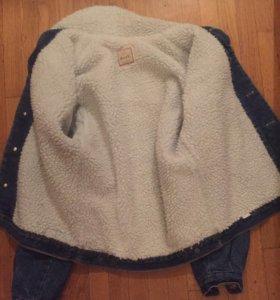 Джинсовая куртка с тёплым подкладом