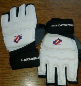 Перчатки для тхэквандо размер XS.