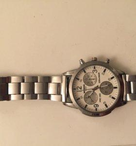Кварцевые наручные часы MIGGER