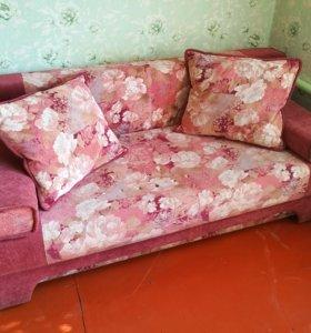 Диван / диван-кровать / софа с подушками и ящиком