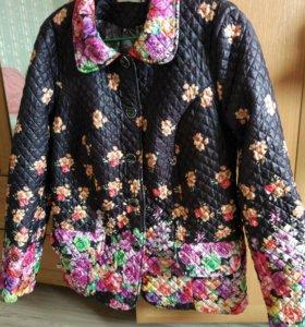 Куртка женская 54 размер в отличном состоянии