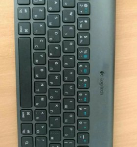 Блютус-клавиатура логитеч. Чехол в подарок
