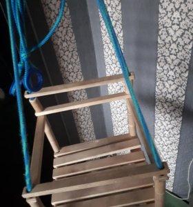 Качеля деревянная подвесная