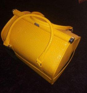 Сумка/чемодан для маникюра, косметологии