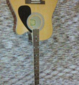 Продам электроакустическую гитару с дефектом