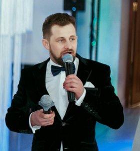 Ведущий Виктор Дубовцев