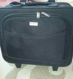 Чемодан (сумка) небольшой на колесах