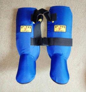 Защита на ноги для кикбоксинга