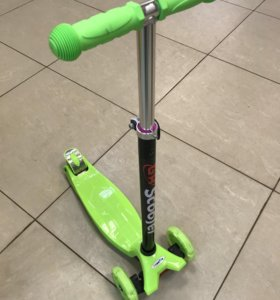 Детский самокат(скутер)Scooter.