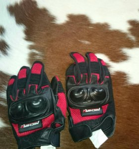 Мотоботы и перчатки