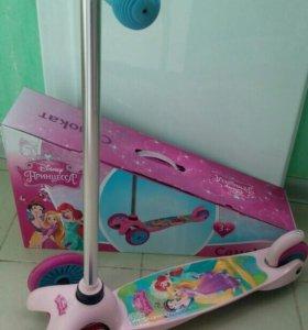 Самокат принцессы Disney