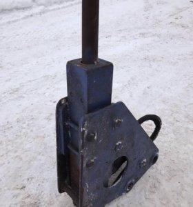 Гидромолот японской фирмы TOKU TNB-4М