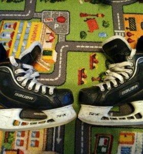 Коньки хоккейные Bauer Supreme ONE (33р)