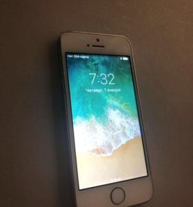 iPhone SE 64 gb (гб) silver айфон