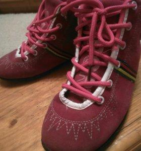 Ботиночки спортивные
