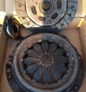 Б/У Корзина сцепления ваз 2108,09,диск и выжимной.