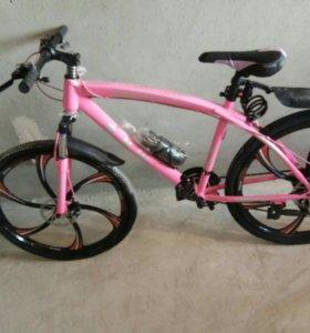 Розовый Велосипед на литых дисках