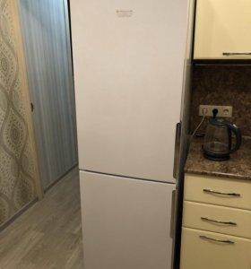Холодильник Hotpoint Ariston Nofrost