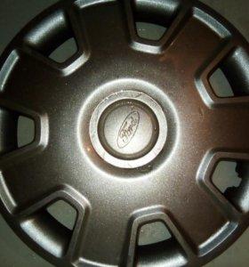 Оригинальные колпаки на Ford Focus