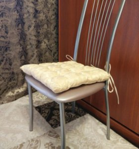 Подушка на стул 43 х 43 см. Сделана своими руками!