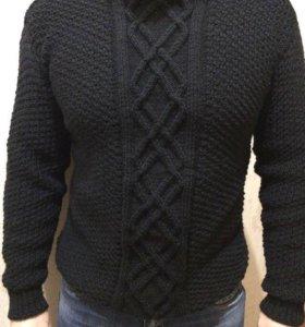 Мужской свитер свяжу на заказ.