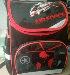 Школьный рюкзак для мальчика новый