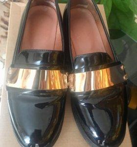 Ботинки женские 35-36 размер