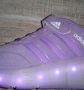 Кроссовки светящиеся на роликах