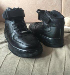 Оригинальные кожаные кроссовки Nike Air Force