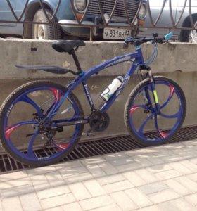 """Велосипед """"BMW"""" на литых дисках!"""