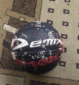 Баскетбольный мяч Demix