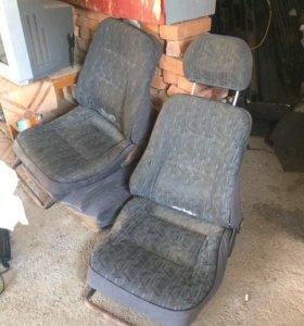 ГАЗ 31. Заднее и передние сиденья.