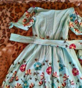 Очень красивое платье с вышивкой