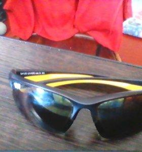Солнечные спортивные очки