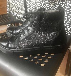 Новые женские высокие кроссовки