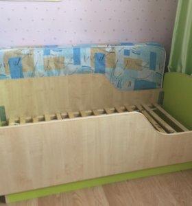 Детская кроватка 140х70 с матрасом