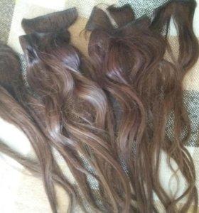 Продам натуральные волосы на заколках.