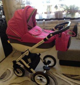 Продам детскую коляску для девочки