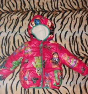 Практически новая курточка